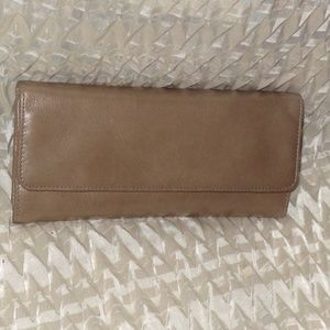 HOBO SADIE tri-fold continental LEATHER Wallet ASH